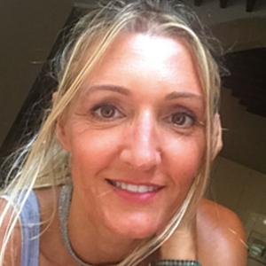 Angela Fuster